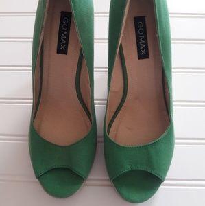 NWOT Green peep toes wedges